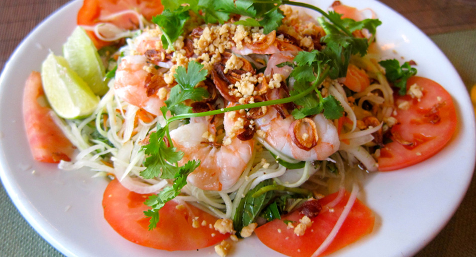 picture of green papaya salad